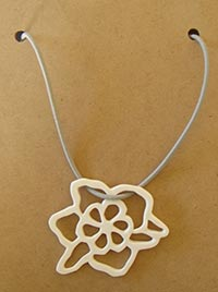 "Collier ""graphisme vegetal"""